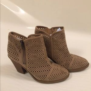 New women's Espirit ankle boots size 6